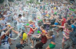 water_fight_18